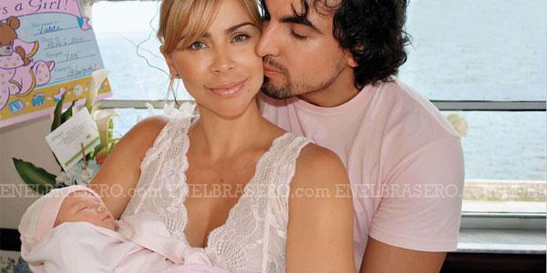 Айлин Мухика / Aylin Mujica - Страница 18 843fb61173fa