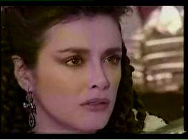 Странное возвращение Дианы Салазар/El Extrano Retorno de Diana Salazar 6f5796d2ecb6