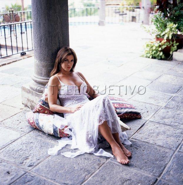 Лусия Мендес/Lucia Mendez  - Страница 3 Eab2703738cc