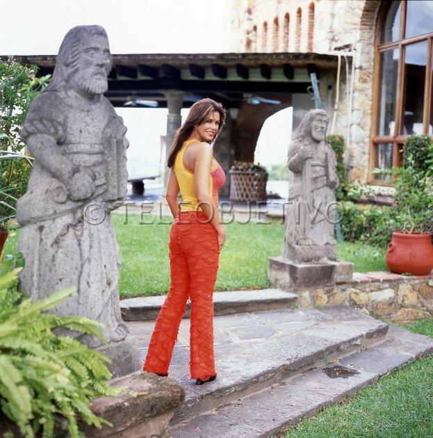 Лусия Мендес/Lucia Mendez  - Страница 3 0341765bc3bd