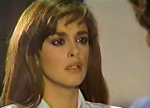 Странное возвращение Дианы Салазар/El Extrano Retorno de Diana Salazar Badb5b40a8ff