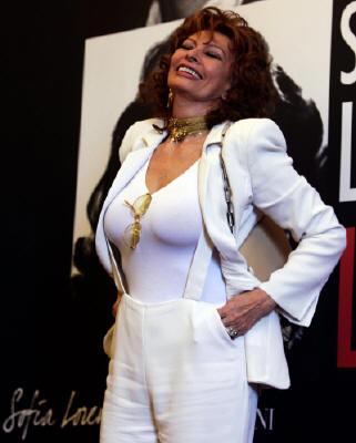 Софи Лорен/Sophia Loren - Страница 2 Fc15b95f68cd