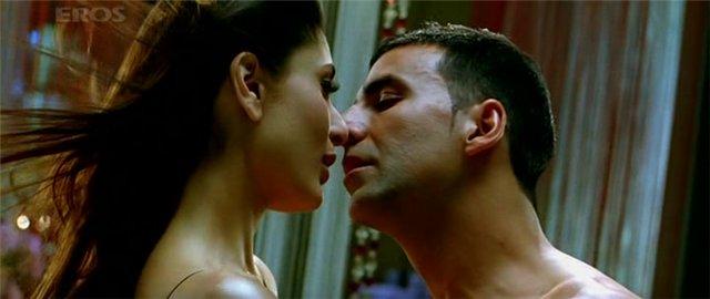 Невероятная любовь / Kambakkht Ishq (2009) 7fda2c96e249
