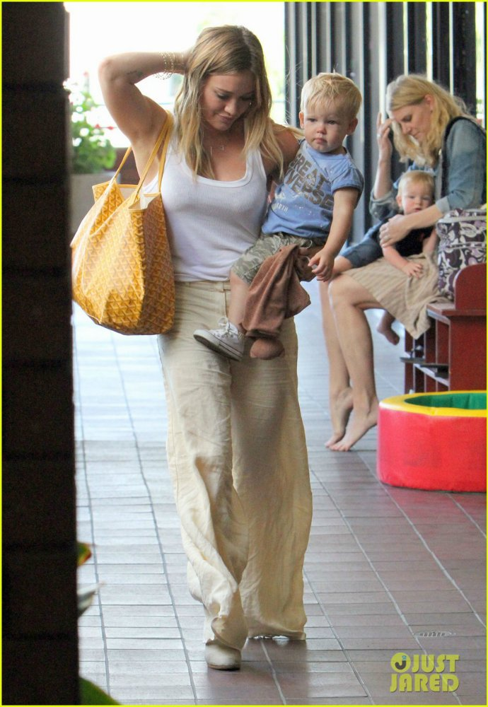 Hilary Duff - Страница 6 0297770612ea