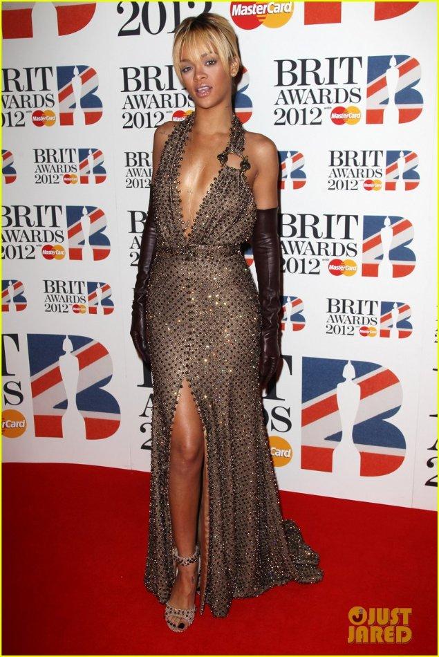 Rihanna  - Страница 2 Ae6f4a6ef85c