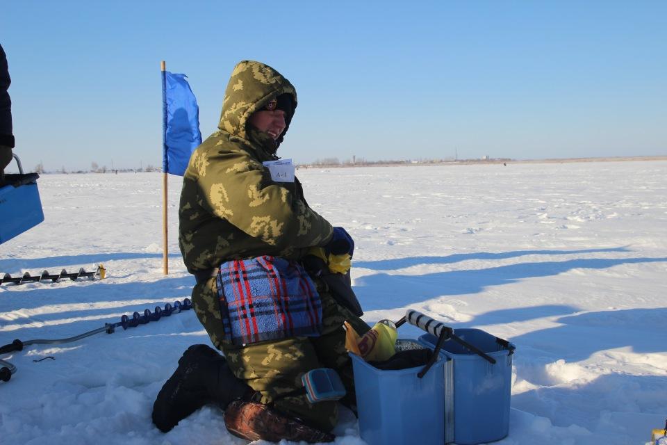 Первенство города Кургана по ловле на мормышку со льда среди юношей и девушек с 14 до 17 лет. 31477f5b36b2