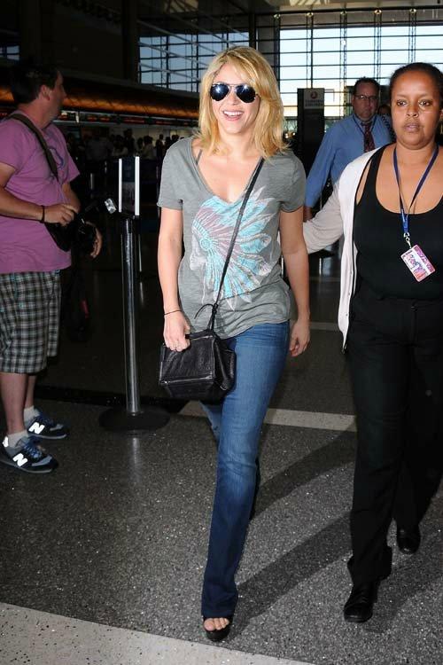 Shakira / Шакира - Страница 2 297a951ec40d
