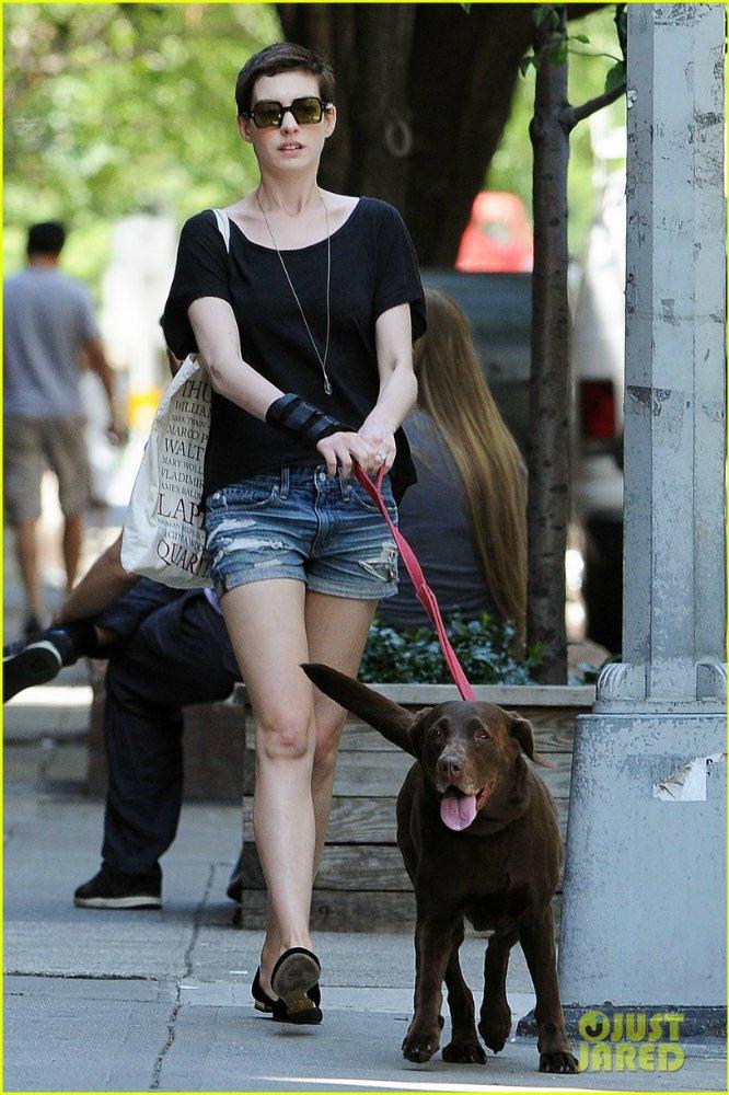 Anne Hathaway/Энн Хэтэуэй - Страница 3 B00506e5a563