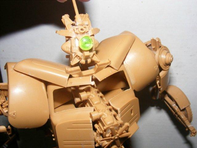 Робот трансформер(не трансформирующийся правда :) ) D9acbab56fe9