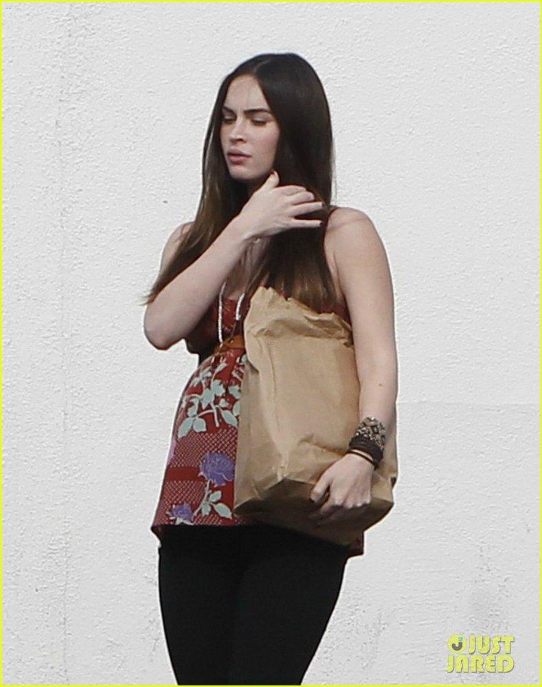 Megan Fox - Страница 8 2c3e1f7c5981