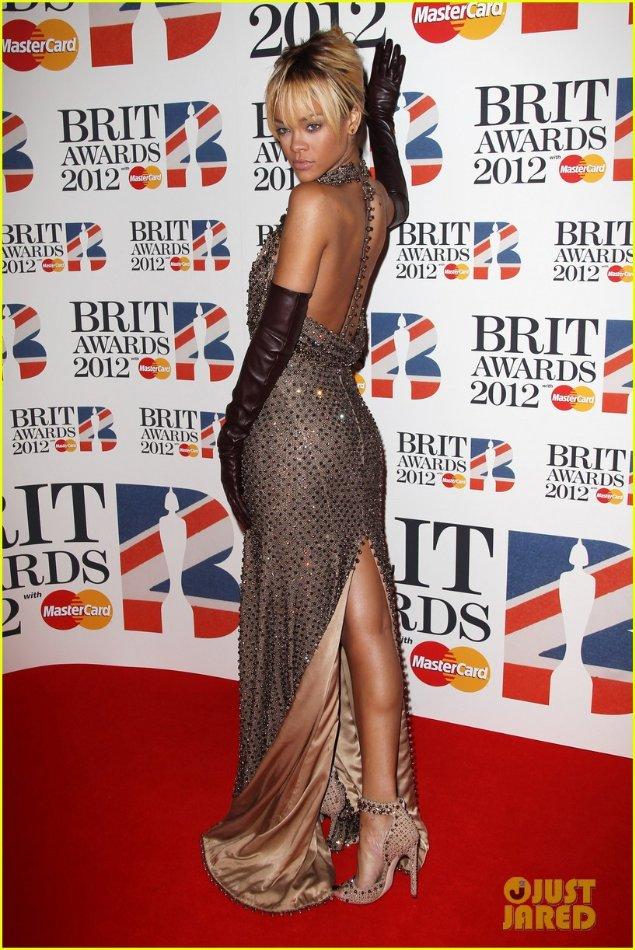 Rihanna  - Страница 2 D1cbb4bd4dc5