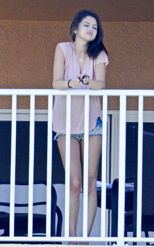 Selena Gomez | Селена Гомес - Страница 2 53275ed3ab2e