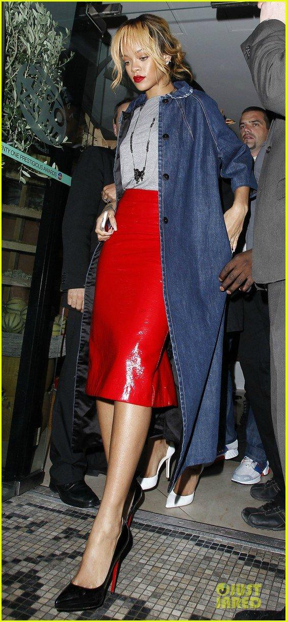 Rihanna  - Страница 15 D302e4d6fa24