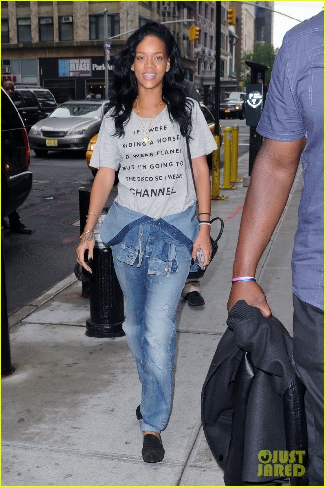 Rihanna  - Страница 6 Af6f0db0beb9