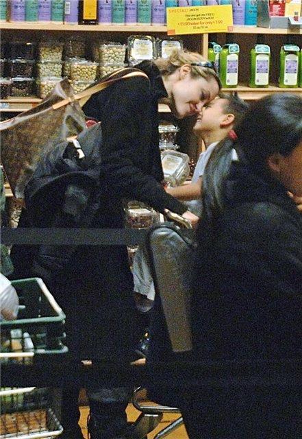 Анжелина Джоли / Angelina Jolie - Страница 2 517671b7f3af