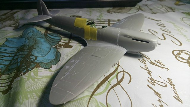 Spitfire Mk.IXc 1/48 ICM E0ee3deff55a
