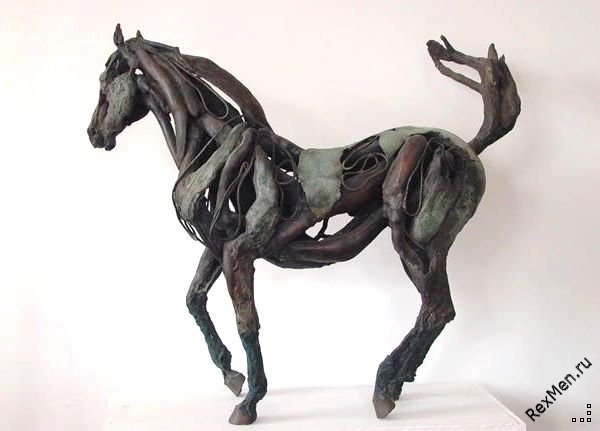 Потрясающие деревянные лошади 197b01c15716