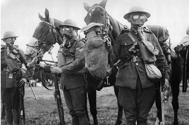 ABHO Horses-and-men-in-gas-masks-during-tests-to-find-the-best-protection-against-gas-attacks-pic-dm-965360765