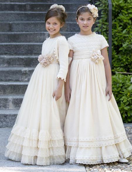 أزياء أطفال ناعمة Im%C3%A1genes-de-vestidos-de-primera-comuni%C3%B3n-rom%C3%A1nticos-2