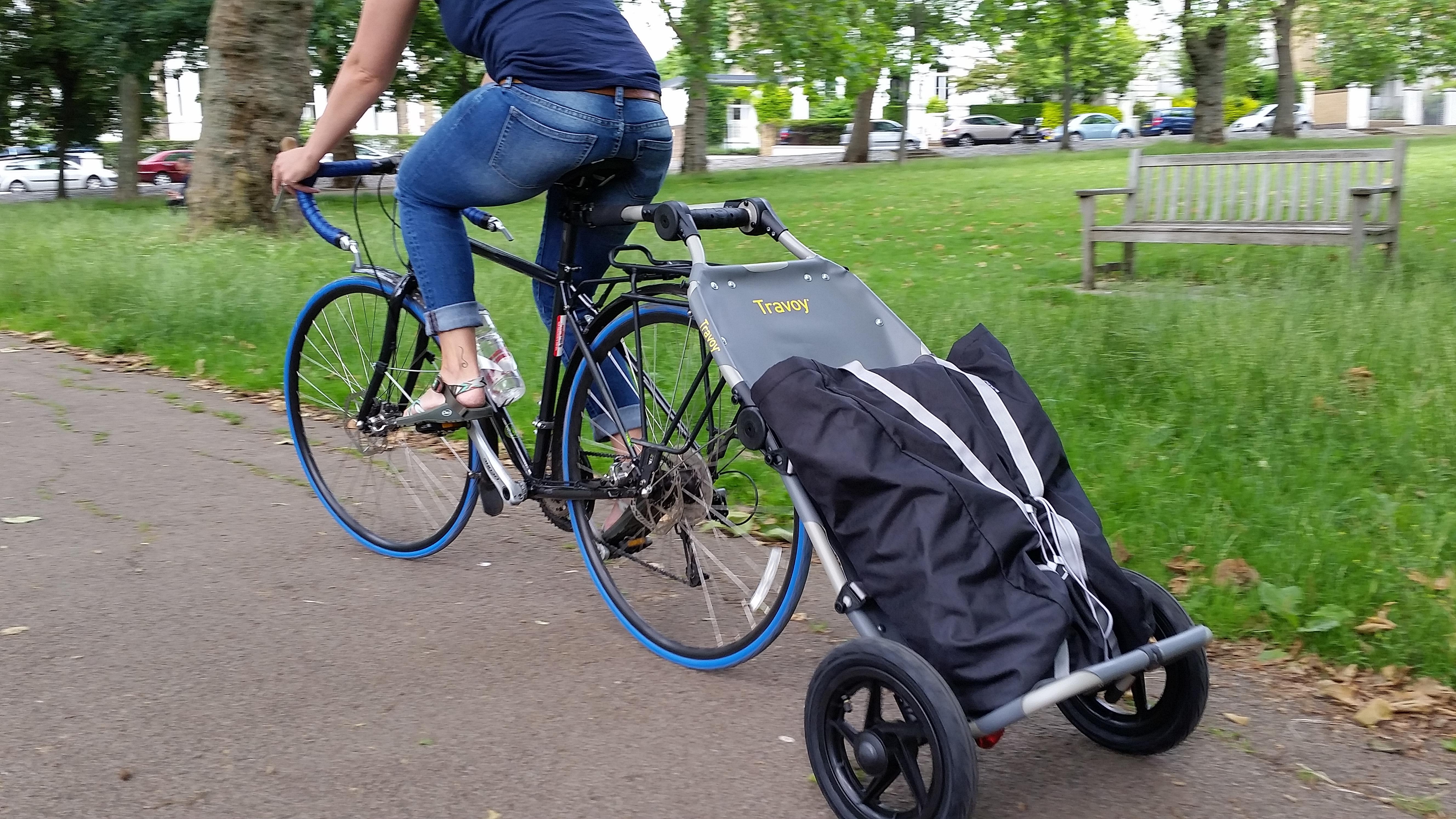 Chariot Travoy de chez Burley - Page 5 Travoy-with-bag