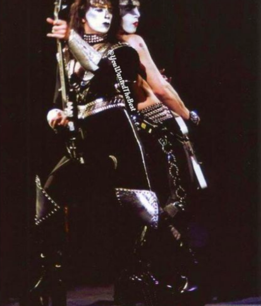 Vinnie Vincent - Page 26 Screen%20Shot%202016-11-17%20at%2015.58.38_zpsw4lklp4w