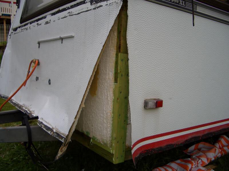 Fikse fukt/råte i Knaus Azur 600 - 1984 modell Kabe-01kopi
