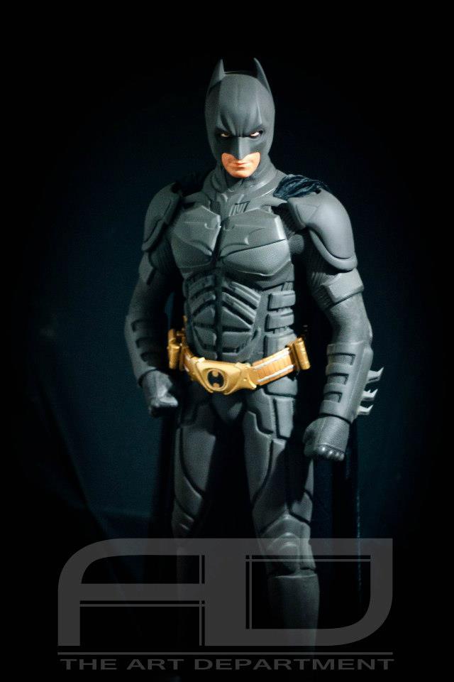 Dark Knight ( C. BALE)  Half Scale custom full statue 558999_482607821784428_1341604313_n