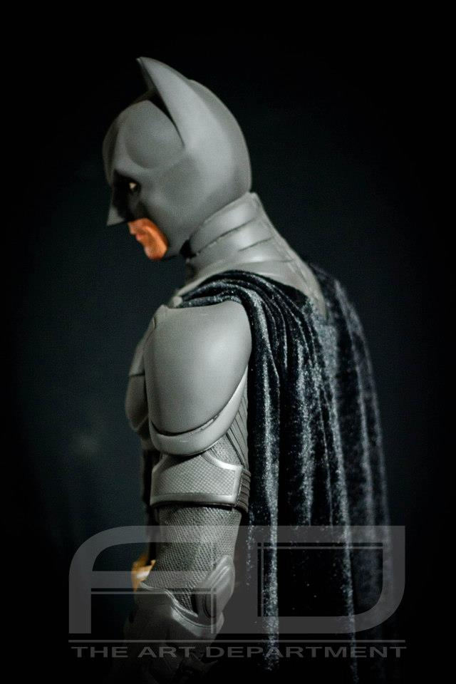 Dark Knight ( C. BALE)  Half Scale custom full statue 59657_482607845117759_1120771686_n