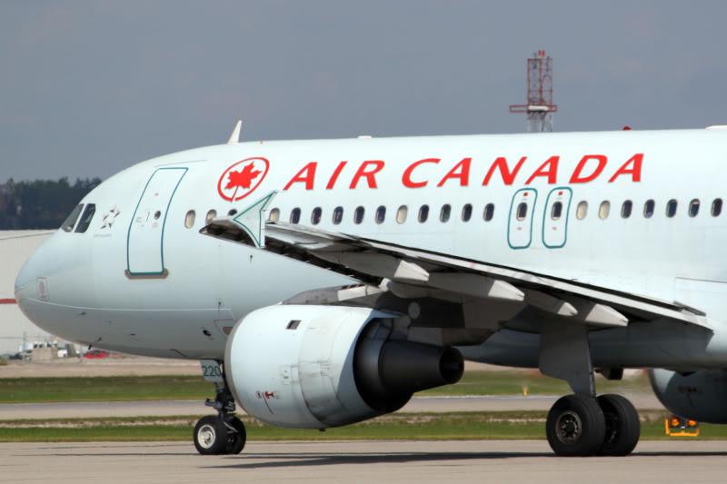 Calgary International (YYC / CYYC) IMG_7350