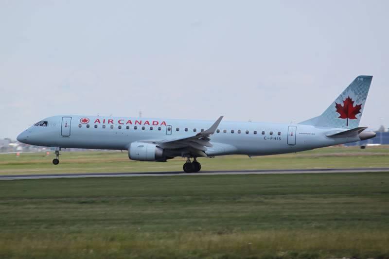 Calgary International (YYC / CYYC) IMG_7561