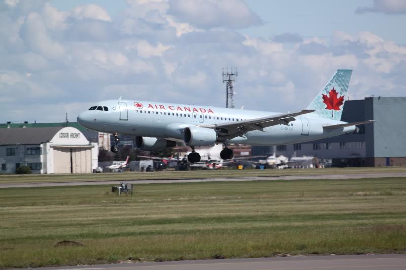 Calgary International (YYC / CYYC) IMG_6493