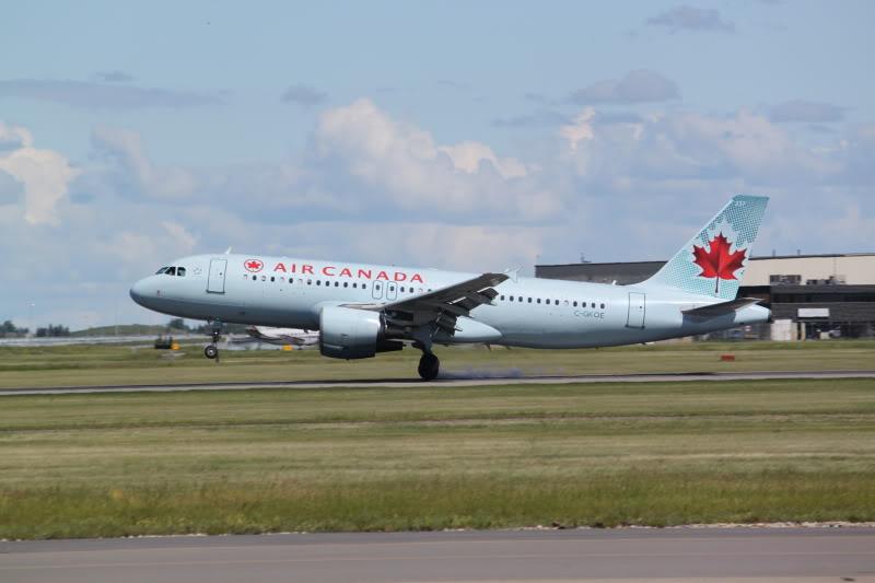 Calgary International (YYC / CYYC) IMG_6496