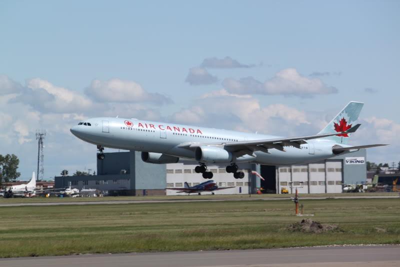 Calgary International (YYC / CYYC) IMG_6544