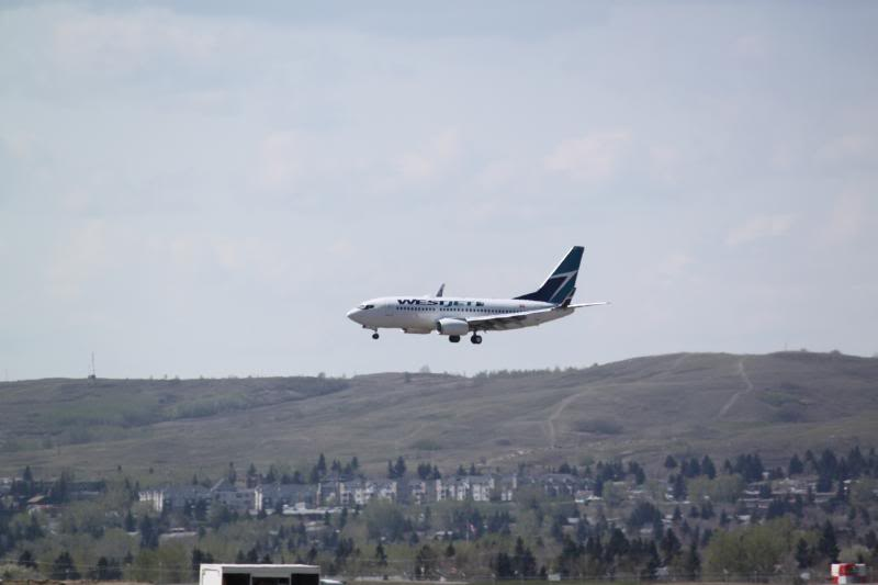 Calgary International (YYC / CYYC) IMG_3595