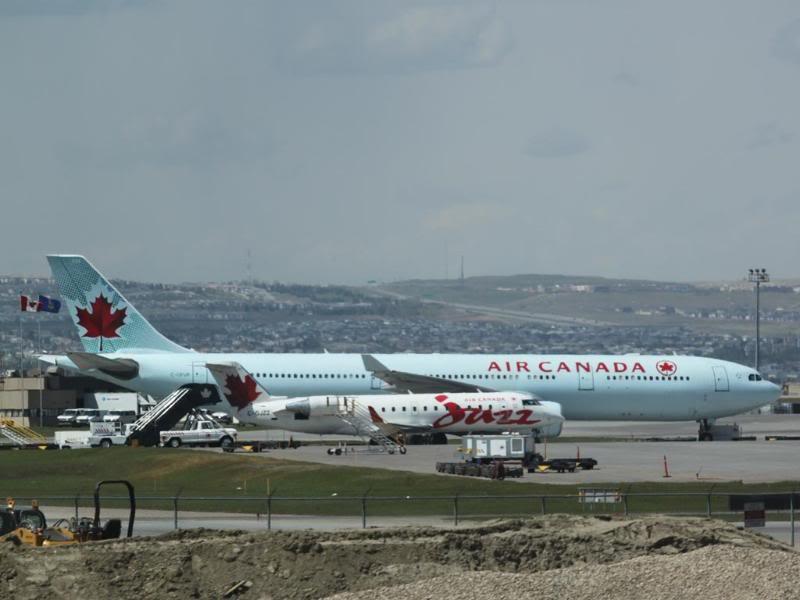 Calgary International (YYC / CYYC) IMG_3611