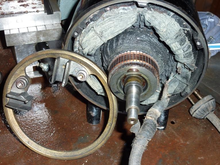 Quand les moteurs électriques ouvraient toutes grandes leurs portes ! P1040485D