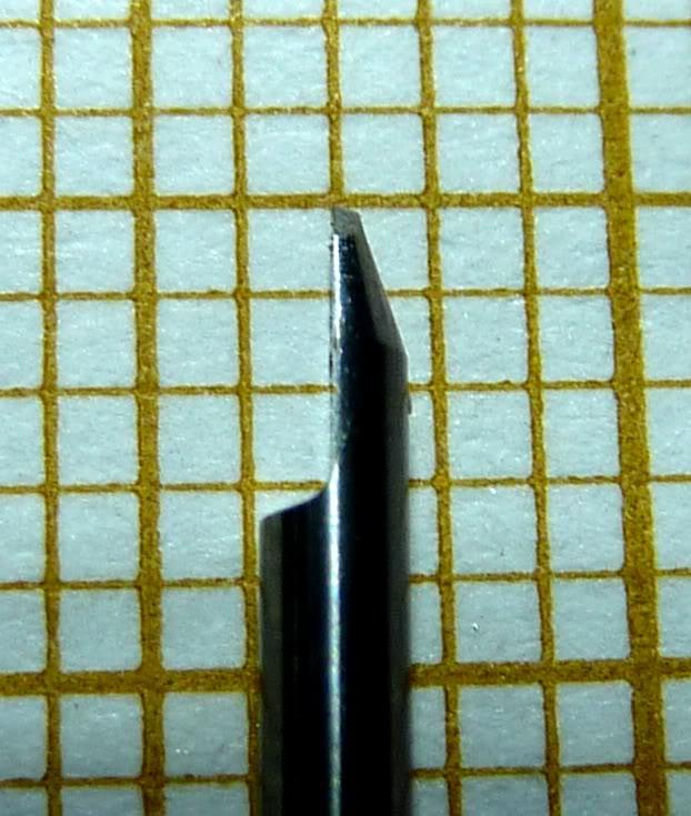 Cherche matière plastique pour petits engrenages à tailler P1020921RD