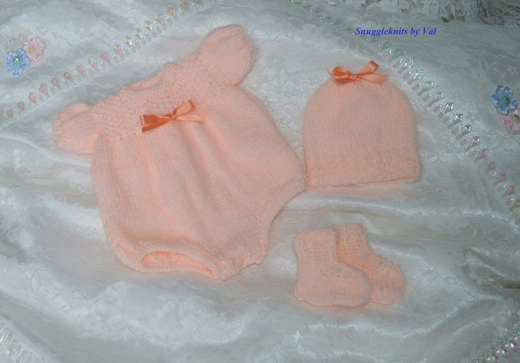 Just a few of the knits that I have been making over the past months Romper%20set%20peach%202%20Large