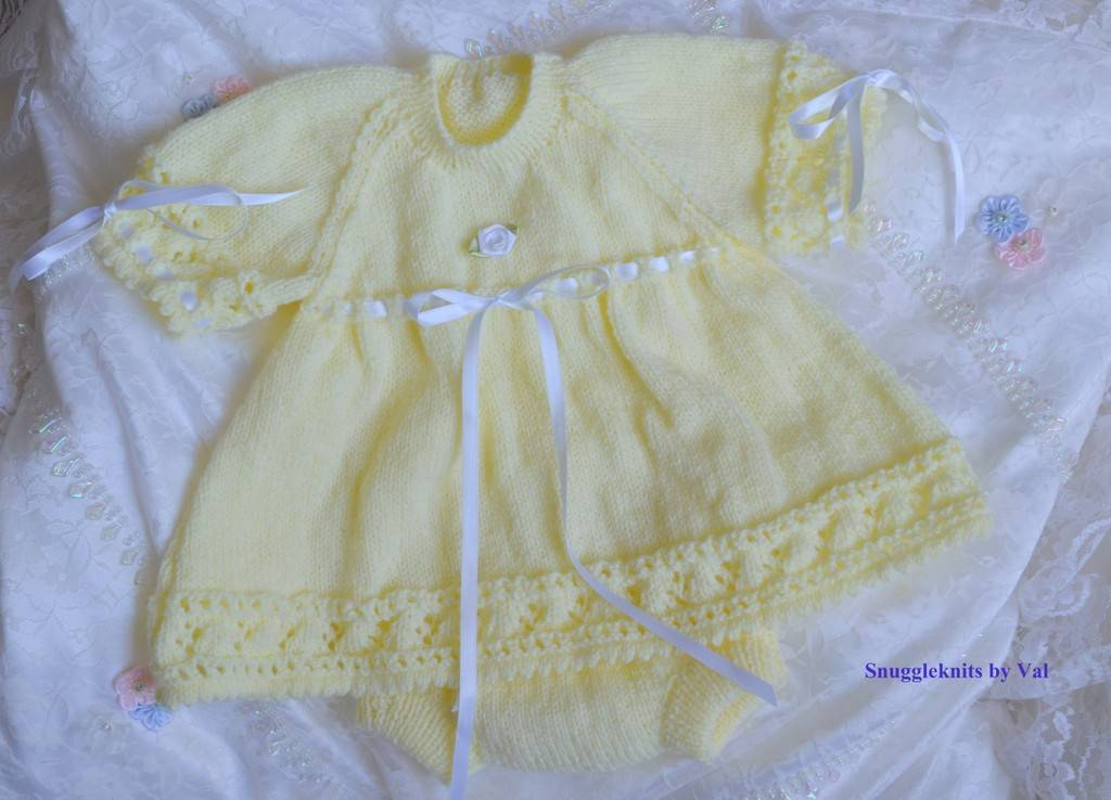 First and second parts of customer order now finished! Temp%20dress%20set%20and%20pants%20LEMON%20Large