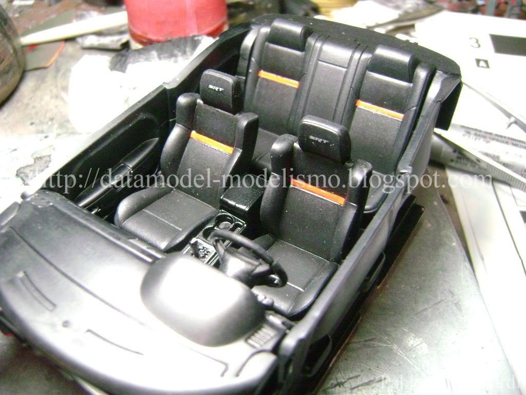 Dodge Challenger 2009 Revell 1/25 DSC01022