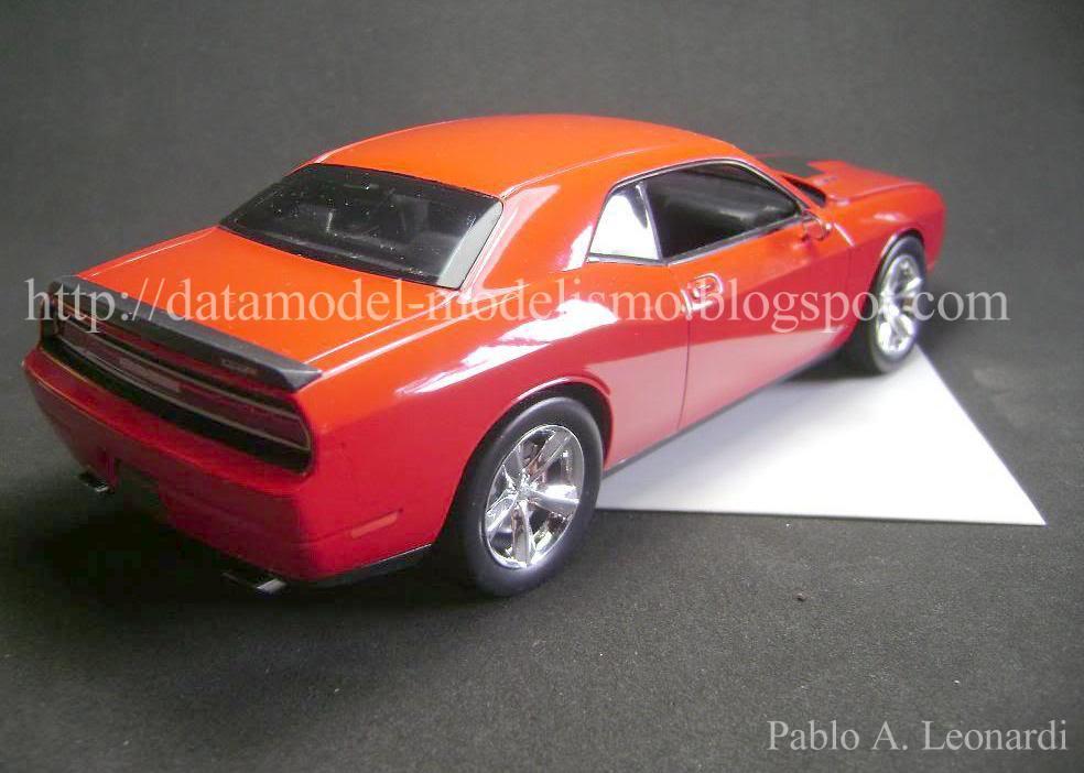 Dodge Challenger 2009 Revell 1/25 DSC01127