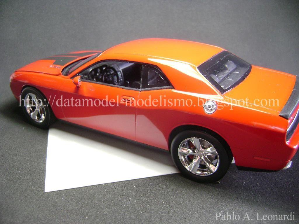 Dodge Challenger 2009 Revell 1/25 DSC01129