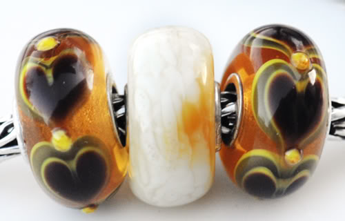 two hearts and an amber Twoheartsamber