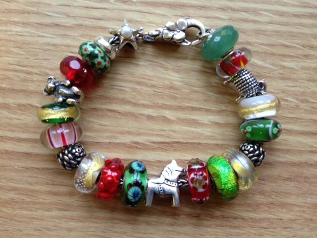 Show us which bracelet you have worn in December! - Page 3 Photoxmas14_zps9e3e65ba