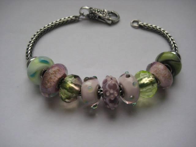 Show us your mini bracelets! - Page 2 IMG_1182