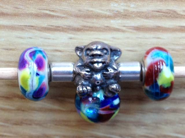 Bracelets with baby trolls - show me yours  - Page 2 Stones-2_zpsum9kctl0