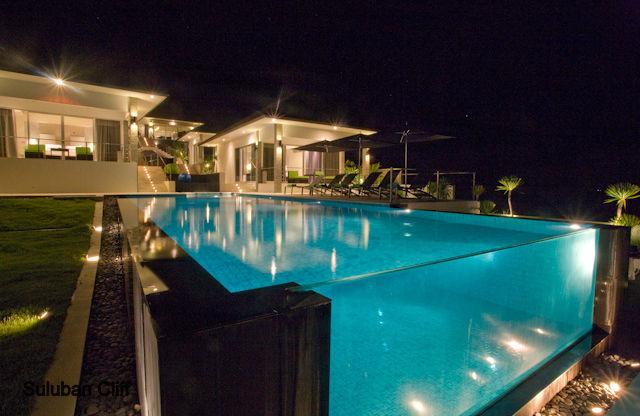 HELP pls...! Infinity-glass-pool-of-suluban-cliff-villa-uluwatu-indonesia1152_12784677873-tpfil02aw-29147
