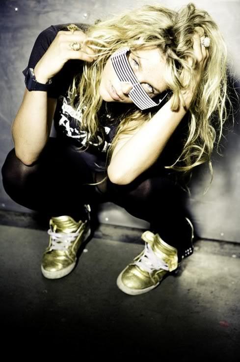 Ke$ha-Tik tok Kesha