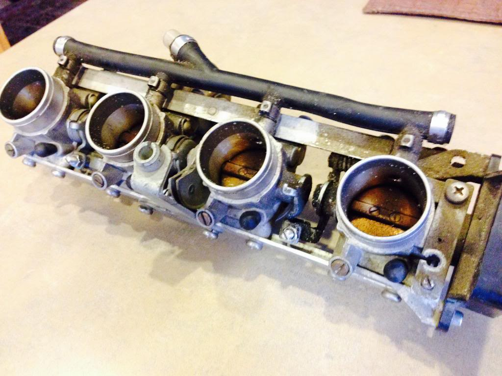 K1100 throttle bodies on a K100 - Page 2 K1100CarbsBefore5_zps4d289fa8