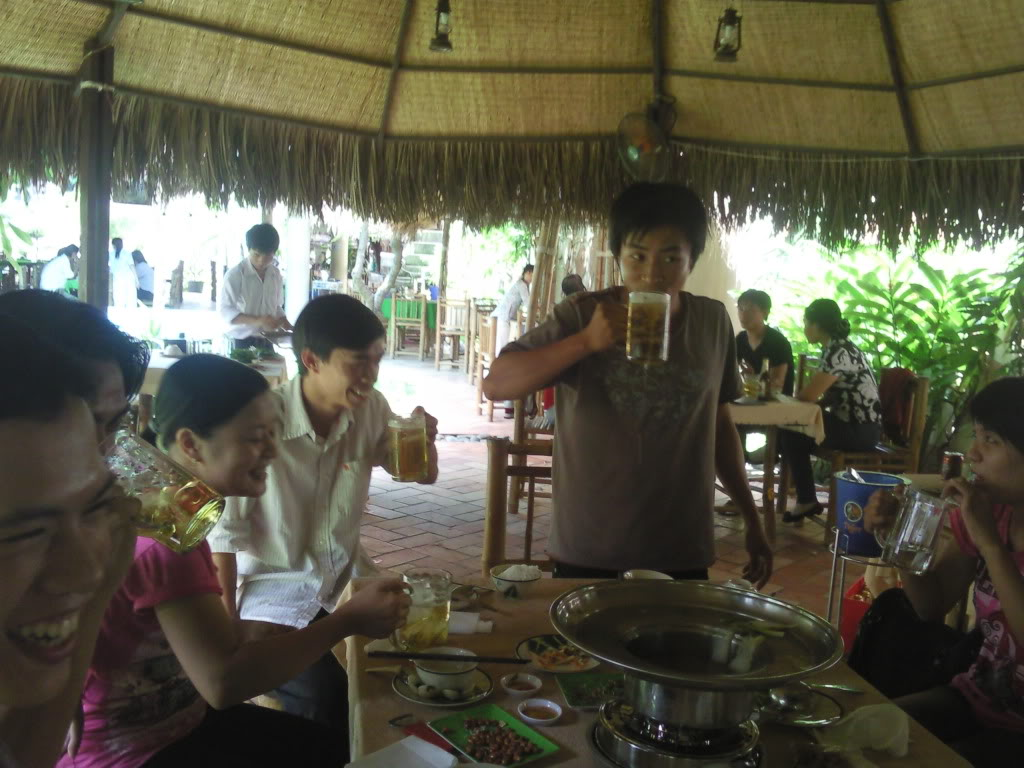 Những tấm hình mới nhất về bữa ofline 2/9 của thành viên 4rum nè! Photo0104